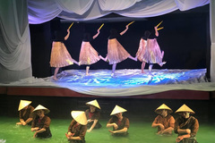 Experimental puppet show begins in Hanoi