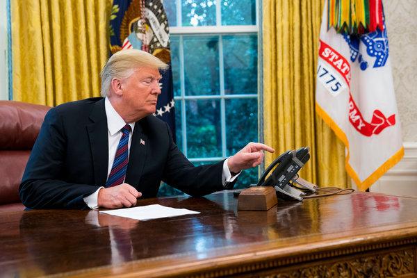 Tổng thống Biden ký loạt sắc lệnh, tiết lộ thư ông Trump để lại 'rất hào phóng'