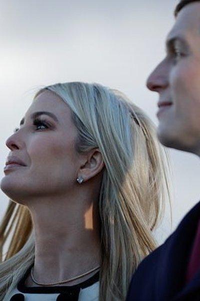 Con gái ông Trump khóc khi cha sắp mãn nhiệm tổng thống