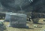 Người đàn ông bí ẩn viếng thăm mộ con trai ông Joe Biden