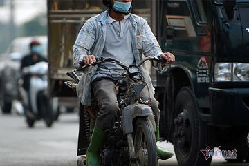 Outdated vehicles still run on streets of Saigon