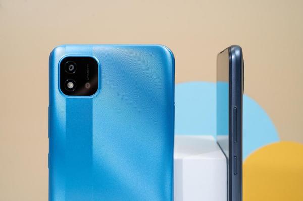 Realme 'trình làng' smartphone C20 giá rẻ, ưu đãi hấp dẫn