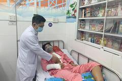 15 y bác sĩ phẫu thuật 14 tiếng cứu thiếu niên bị tai nạn giao thông