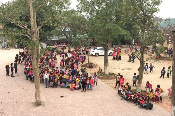Cháy phòng học ở Nghệ An, hàng trăm học sinh phải sơ tán