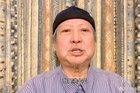 Hồng Kim Bảo tươi tỉnh sau thời gian ngồi xe lăn vì bệnh tật