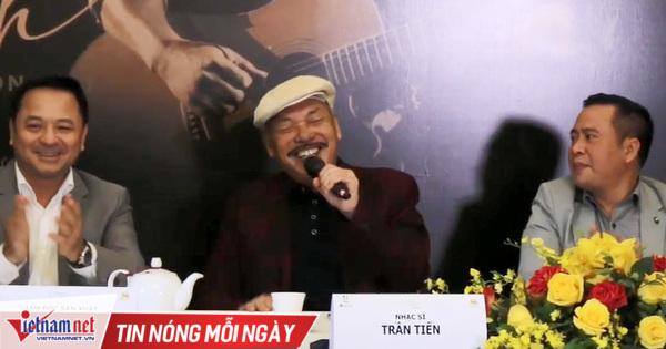 Nhạc sĩ Trần Tiến hát ca khúc sáng tác trên giường bệnh