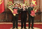 Tổng Bí thư, Chủ tịch nước trao quyết định thăng quân hàm cho hai Thứ trưởng Quốc phòng