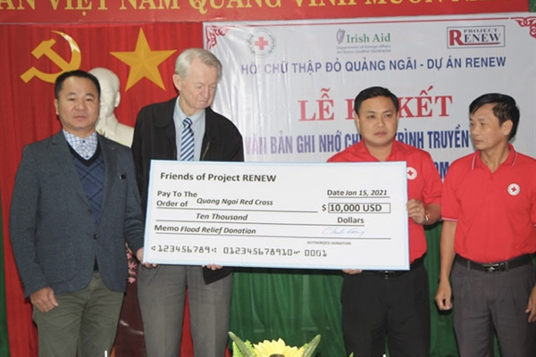 American veterans deliver flood relief for Vietnam