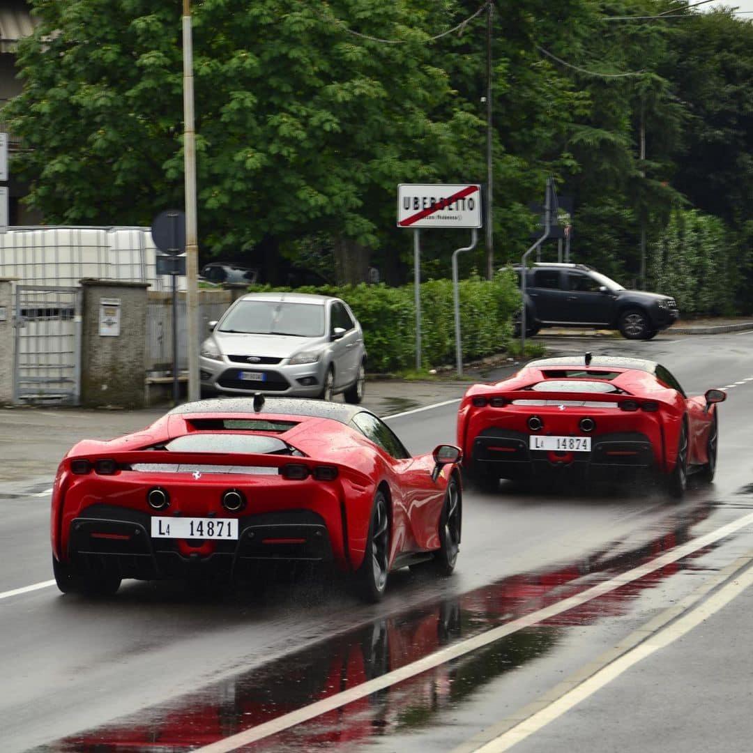 Thêm loạt siêu xe đắt đỏ về nước cho đại gia chơi Tết