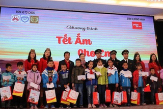 Vietjet chung tay mang 'Tết ấm' cho hơn 1.000 trẻ em nghèo