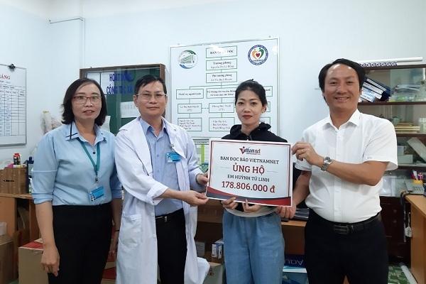 Trao gần 180 triệu đồng cho gia đình em Huỳnh Tú Linh