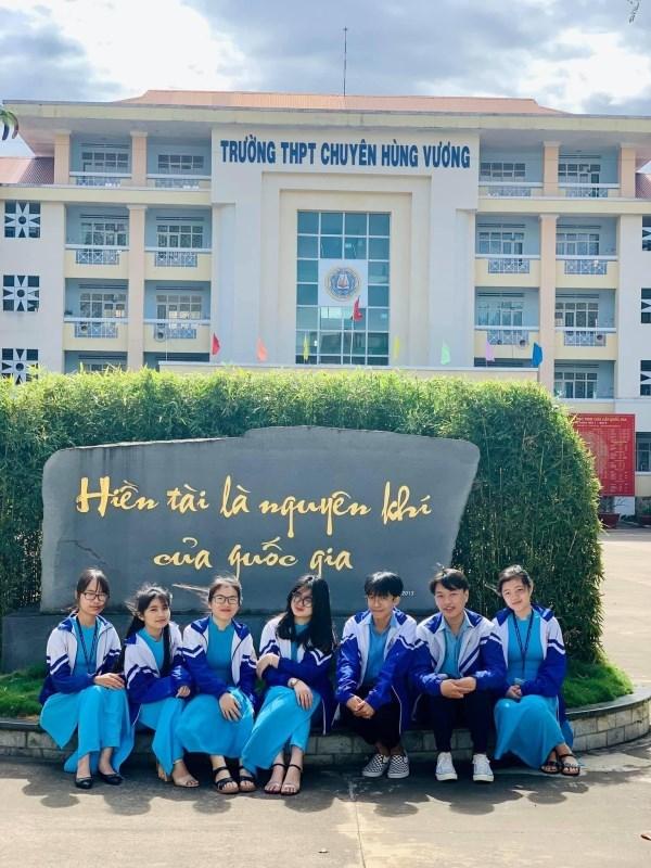 Nam sinh chuyên Toán giành giải Nhất quốc gia môn Văn
