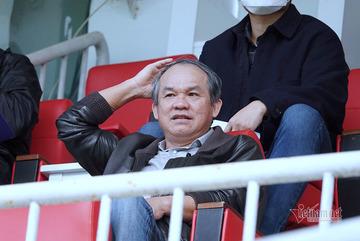 Goalkeeper Dang Van Lam to play in Japan, Boss Duc is proud