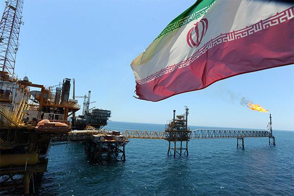 Iran khoe xuất khẩu dầu kỷ lục bất chấp cấm vận của Mỹ