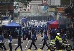 Hình ảnh Hong Kong phong toả 200 toà chung cư chặn Covid-19