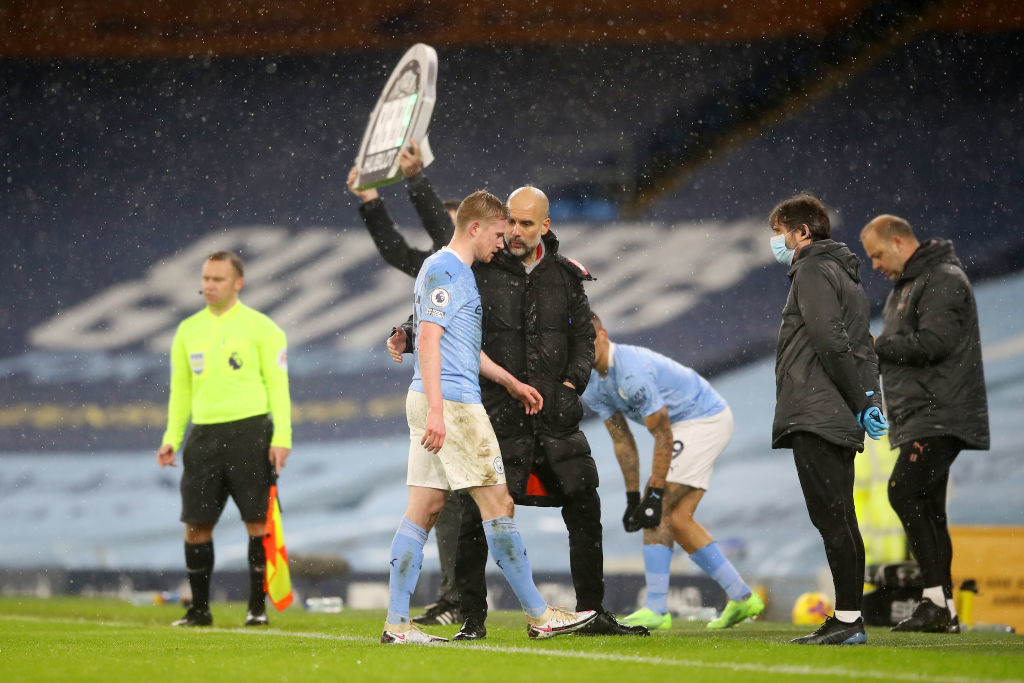 Man City gặp họa, Pep Guardiola vẫn khiến MU lo ngay ngáy