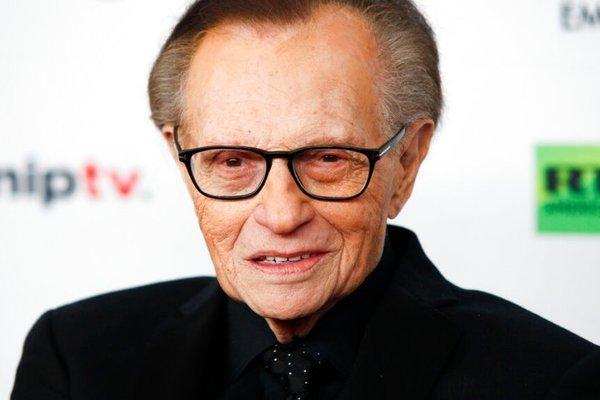 Huyền thoại truyền hình Larry King qua đời