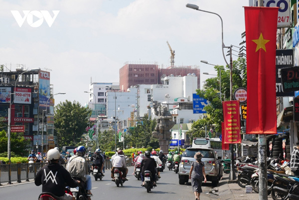 HCM City given a facelift ahead of 13th National Party Congress