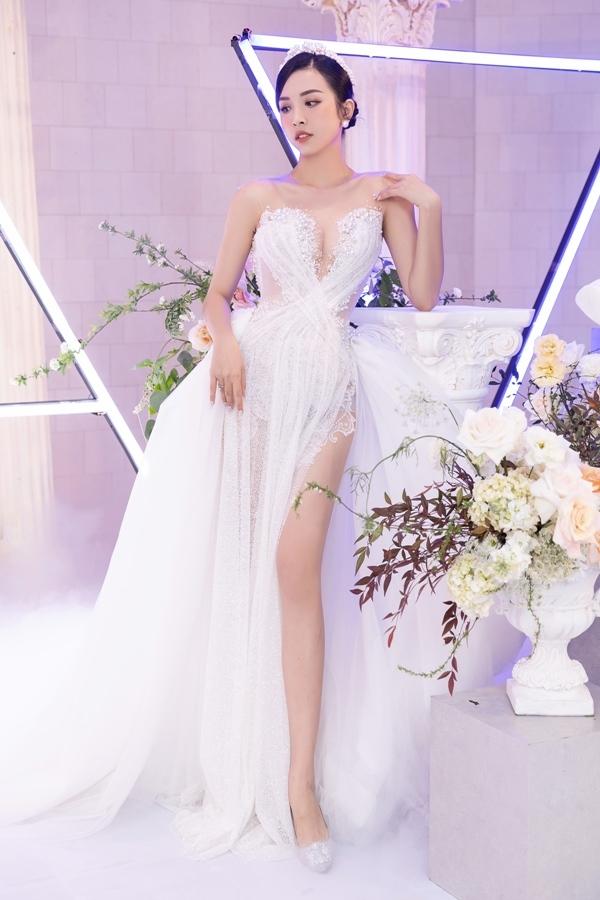 Dàn hoa hậu, người đẹp lộng lẫy dự đám cưới á hậu Thúy An