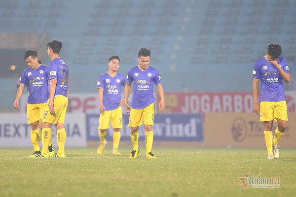 HLV Hà Nội e ngại khả năng văng khỏi top đua vô địch