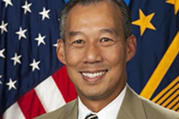 Quyền bộ trưởng gốc Việt vừa được ông Biden chọn là ai?