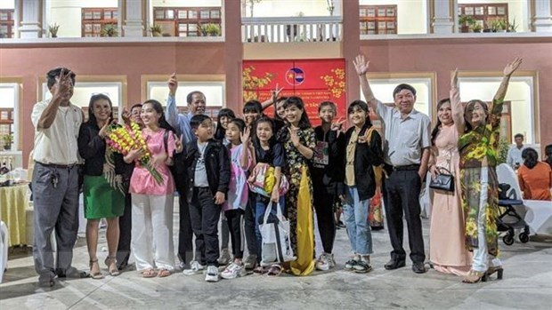 Vietnamese expats in Cambodia look forward to 13th National Party Congress