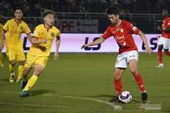 TP.HCM 0-0 Hà Tĩnh: Đội khách bị đuổi người (H2)