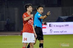 """""""Mourinho Việt Nam"""" chê trọng tài bắt không bình thường"""