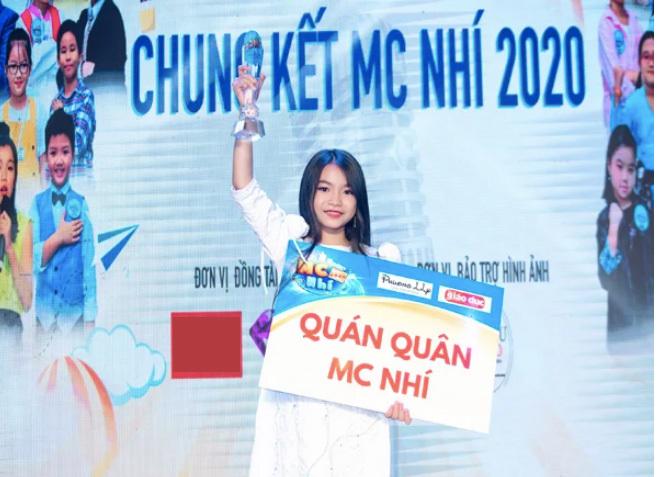 Cô bé 8 tuổi thành quán quân Người dẫn chương trình 2020