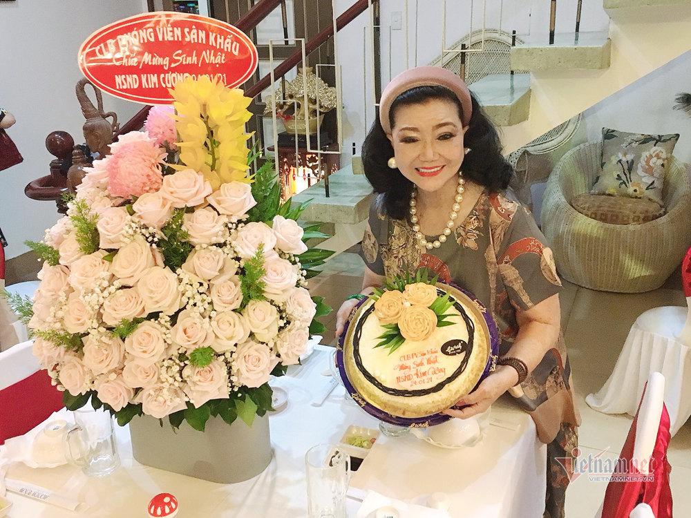 Sinh nhật 84 tuổi, NSND Kim Cương làm điều ý nghĩa