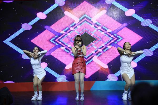 Min, JustaTee, Yuno BigBoi khuấy đảo Lễ hội Tết Việt