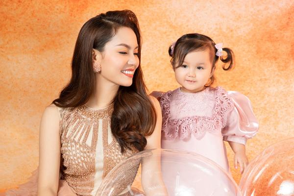Nguyễn Ngọc Anh ngọt ngào tuổi 40 bên con gái
