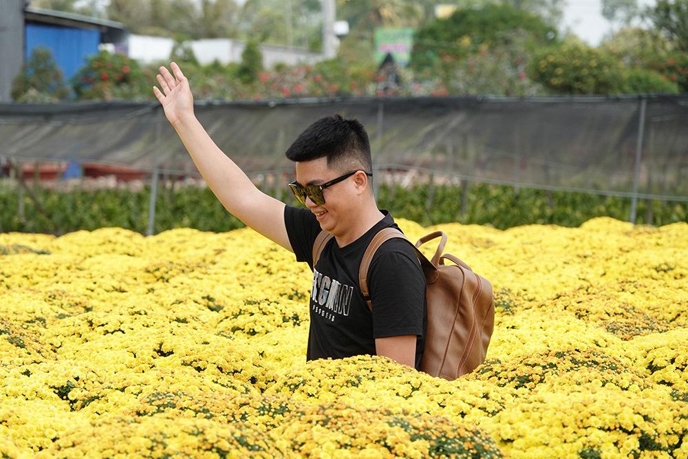 Làng hoa trăm tuổi ở miền Tây rộn ràng du khách check-in dịp giáp Tết