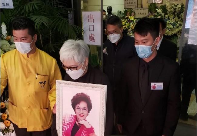 Nghệ sĩ Hong Kong tiễn đưa diễn viên gạo cội Lý Hương Cầm