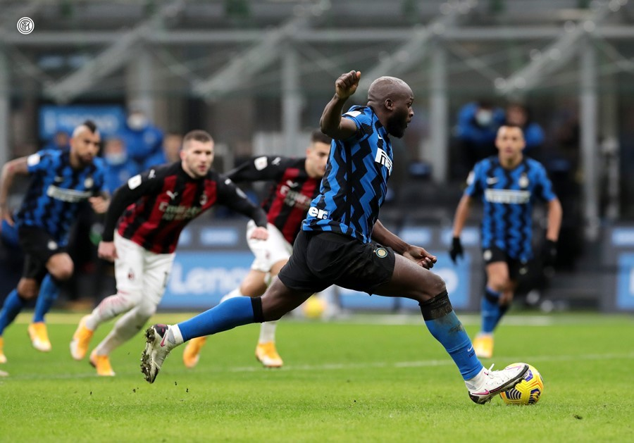 Ibrahimovic người hùng hóa tội đồ, Milan thua ngược Inter