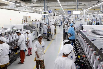 Apple speeds up output shift of iPhones and iPads in Vietnam