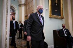 Thượng nghị sĩ chủ trì phiên tòa luận tội ông Trump nhập viện