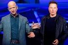 Cuộc chiến vệ tinh giữa hai tỷ phú giàu nhất thế giới