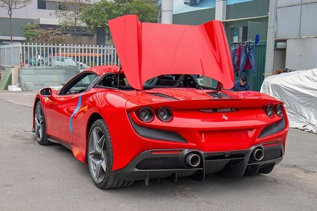 'Mục sở thị' Ferrari F8 Spider thứ 2 tại Việt Nam, giá gần 30 tỷ đồng