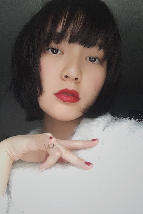 Thời trang nữ tính, gợi cảm của Hải Tú - 'gà cưng' Sơn Tùng M-TP