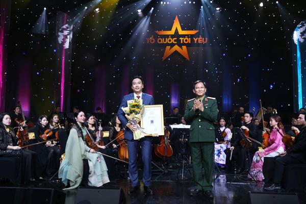 Việt Nam ngàn năm gấm hoa trong Live concert 'Tổ quốc tôi yêu'