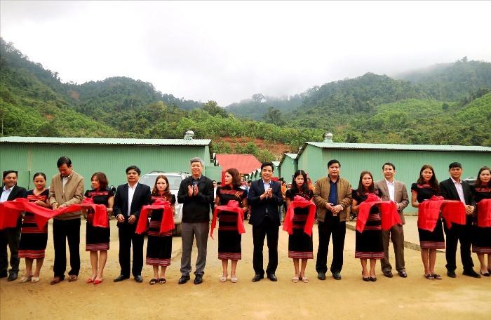 17 ngôi nhà mới được trao cho người dân vùng sạt lở Quảng Nam