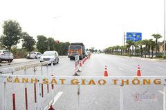 Quảng Ninh lập chốt kiểm soát người ra vào TP Hạ Long