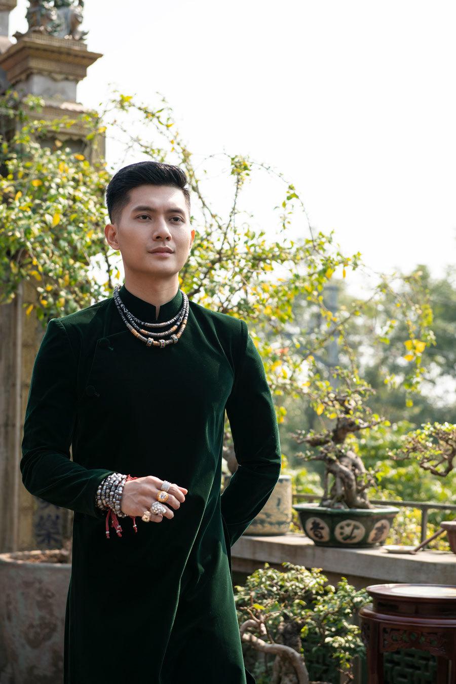 Lâm Bảo Châu gợi ý áo dài đón Xuân
