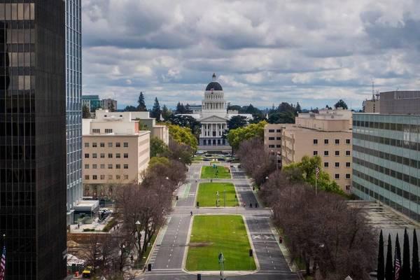 Mỹ phá âm mưu đánh bom văn phòng thống đốc bang California