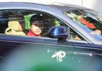 Chú rể Phan Thành đi siêu xe 34 tỷ đến nhà gái đón dâu