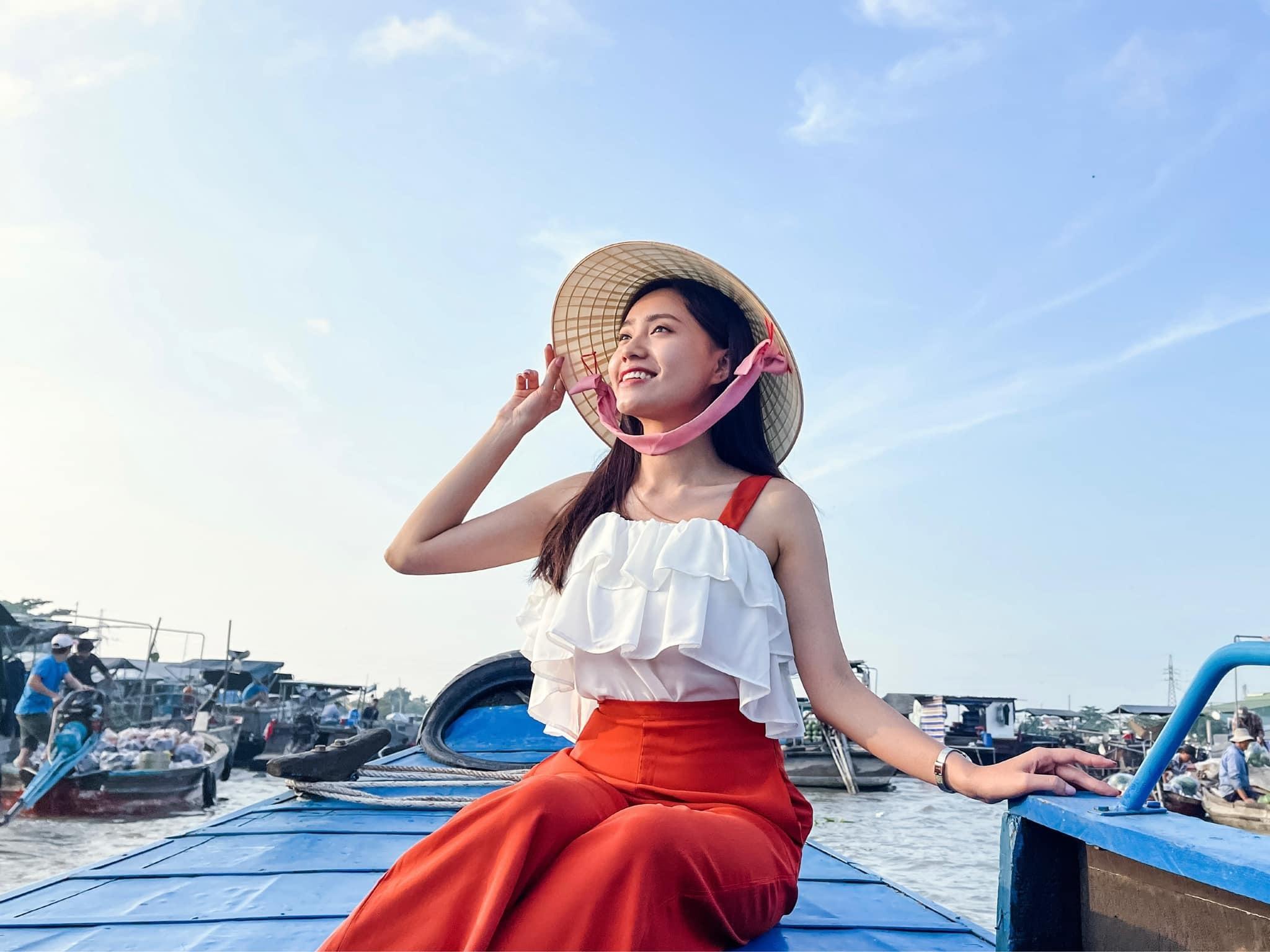MC thời tiết VTV Xuân Anh: Tết mệt nhưng vui!