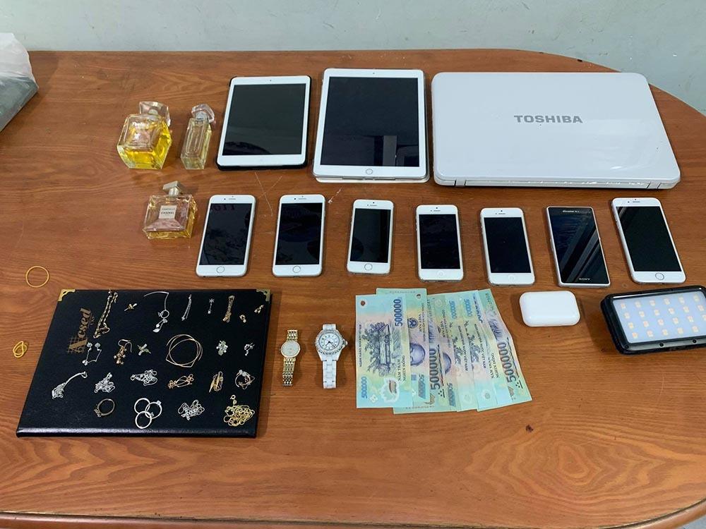 Bắt nóng kẻ uy hiếp cướp tài sản người nước ngoài ở TP Thủ Đức