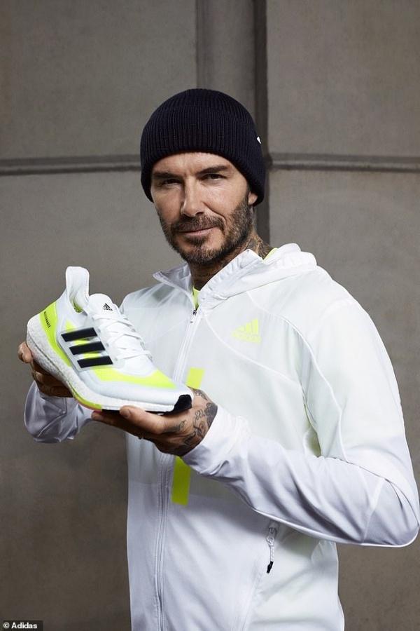 David Beckham trẻ trung đầy phong độ ở tuổi 45