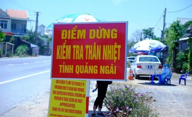 Quảng Nam, Quảng Ngãi cách ly, xét nghiệm gần 100 người về từ vùng dịch